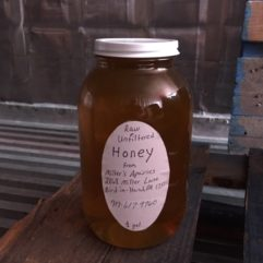 Miller's Apiaries – Truly Raw Honey – Glass
